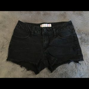 No Boundaries Black Cutoff Distressed Denim Shorts